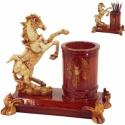 Stojan na perá a pomôcky v tvare koňa