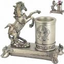 Stojan na pero kôň