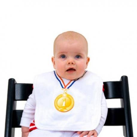 Podbradník pre víťaza s medailou