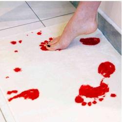 Krvavá rohožka do kúpeľne