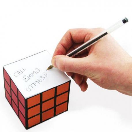 Zápisník v tvare rubikovej kocky