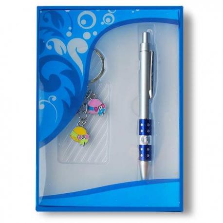 Pero a prívesok na kľúče modrý