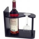 Drevený stojan na víno a vínový pohár