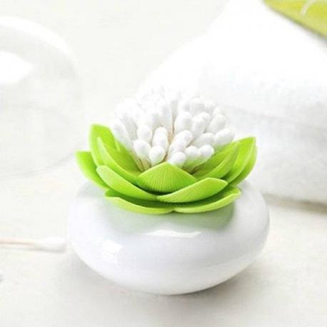 Lotosový kvet na vatové tyčinky
