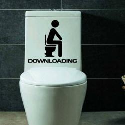 Humorná samolepka na toaletu DOWNLOADING