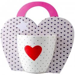 Bodkovaný hrnček so srdiečkom v darčekovej taške