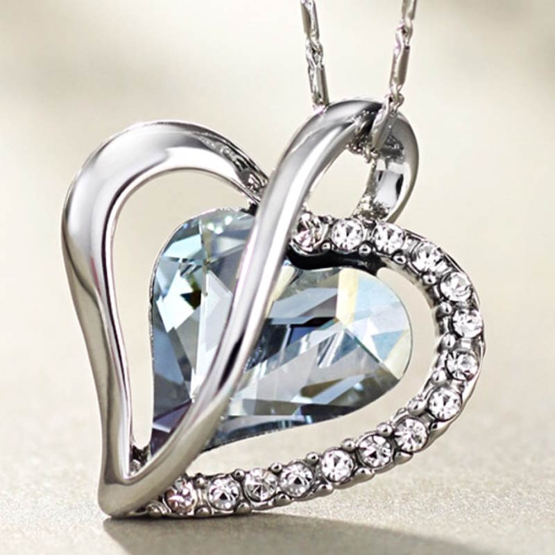 Srdiečkový náhrdelník s modrými srdiečkami 25b585c972b