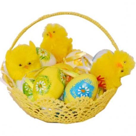 Vajíčka v hačkovanom košíku