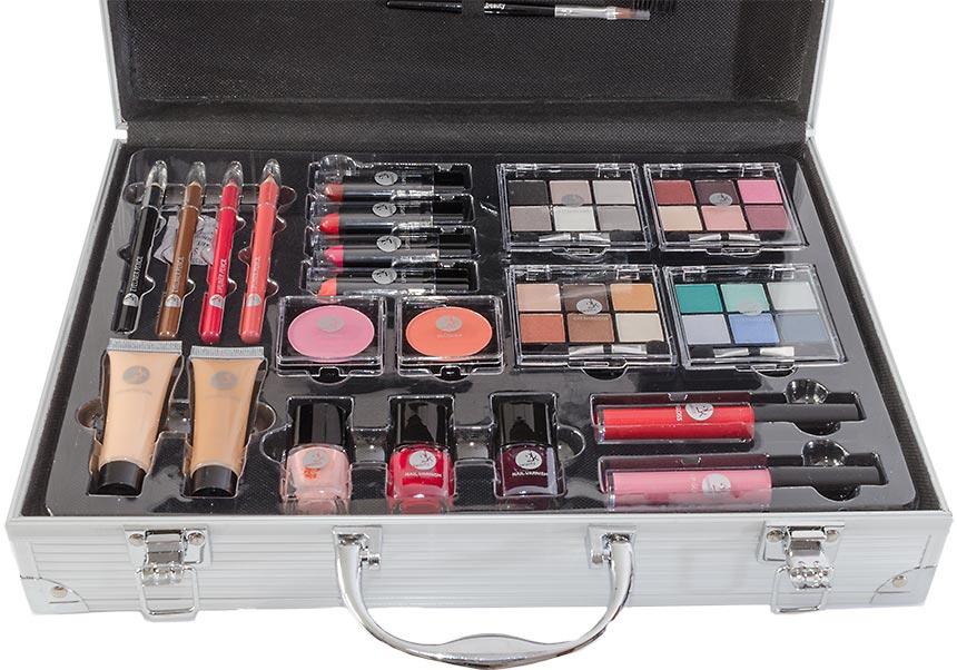 Detail na vnútorné usporiadanie plného kozmetického kufríka
