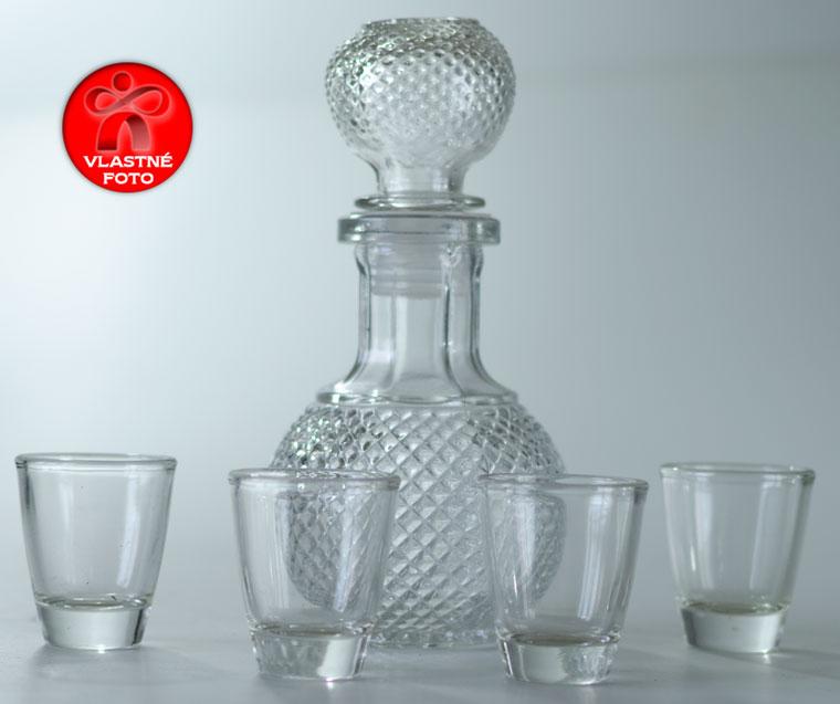 Dizajnová fľaša s pohármi na šesťdesiatku