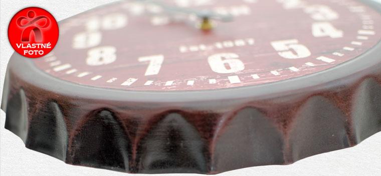 Detail hodín v tvare vrchnáka