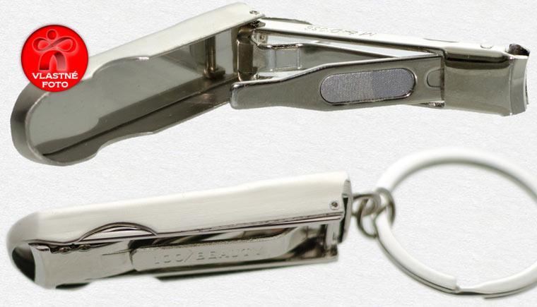 Detail na pilník a vnútro prívesku na kľúče Slovakia s pilníkom